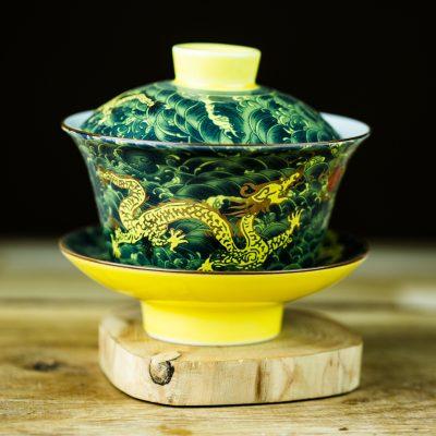 Gaiwan com tema chinês de dragão verde e amarelo